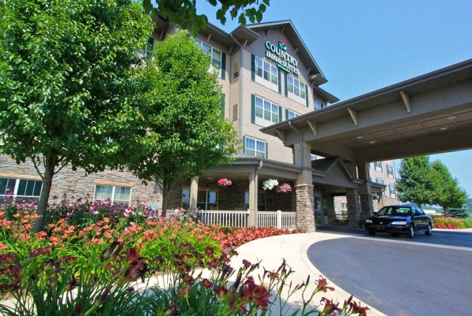 Country Inn & Suites by Radisson - Portage